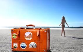 чемодан море девушка пляж