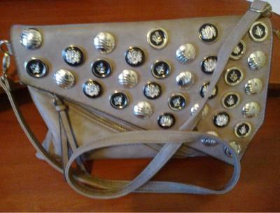 красивая модная сумка из польши с шипами нестандатная