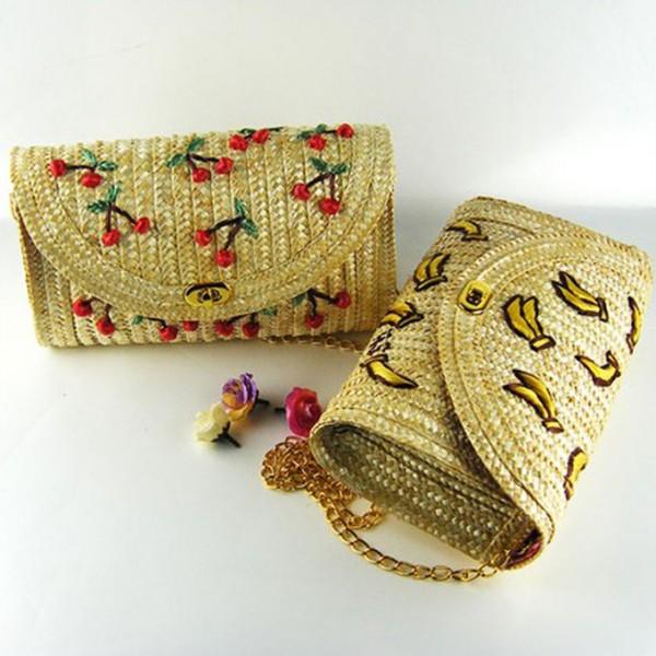 модный клатч из соломы летний стильный