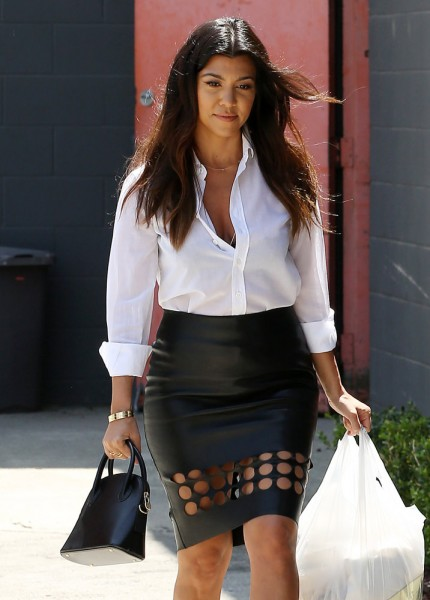 The-Many-Bags-of-Kourtney-Kardashian-16