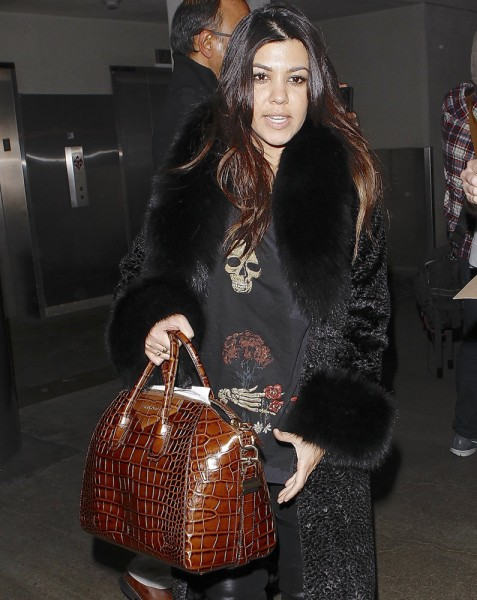 The-Many-Bags-of-Kourtney-Kardashian-19