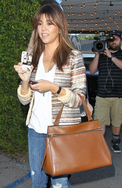 The-Many-Bags-of-Kourtney-Kardashian-25
