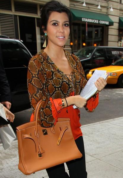 The-Many-Bags-of-Kourtney-Kardashian-34