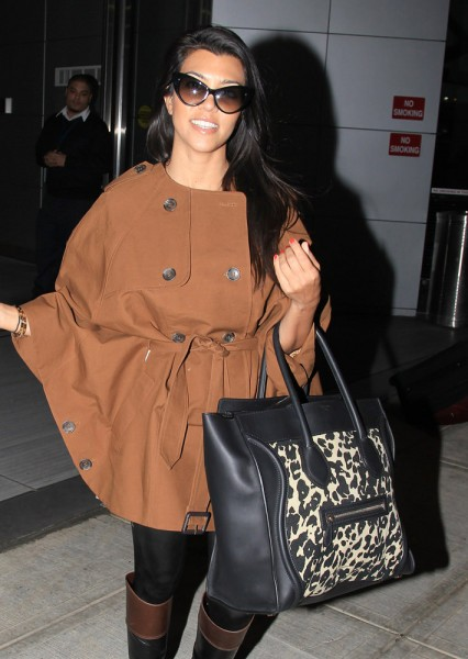 The-Many-Bags-of-Kourtney-Kardashian-35