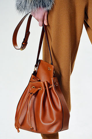 С чем и как носить сумку