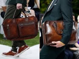 мужчины с сумочками
