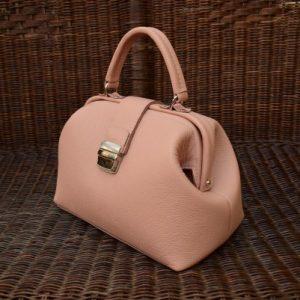 кремовая сумка