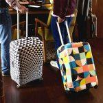Зачем нужен чехол для чемодана